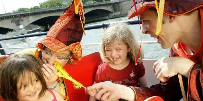 la croisiere enchantée, idéal pour faire découvrir Paris aux enfants