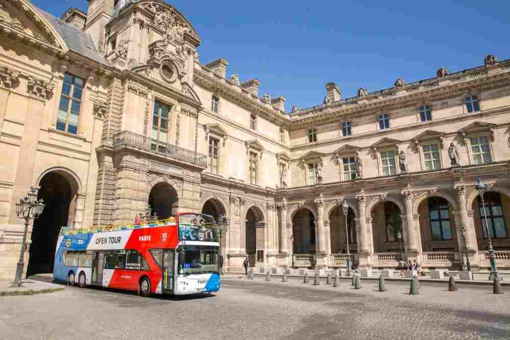 tour insolite de Paris en bus avec Open Tour