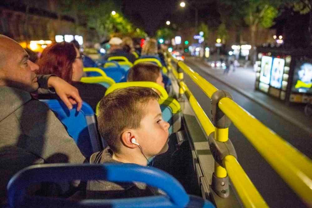 tour en bus panoramique de nuit dans Paris