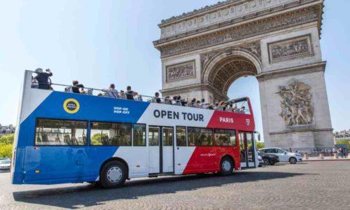 bus touristique panoramique à Paris