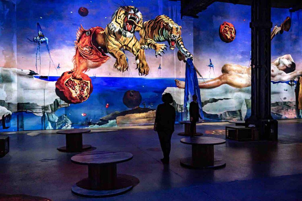 the immersive exhibition on Dali at the Atelier des Lumières