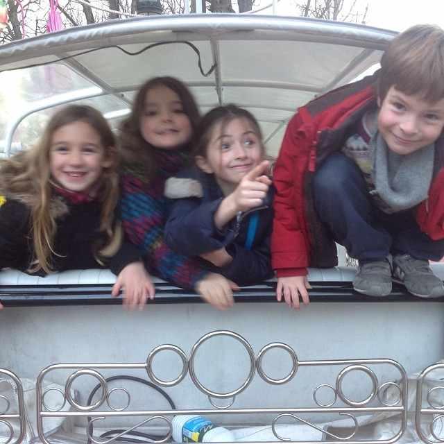 les enfants adorent le tuktuk