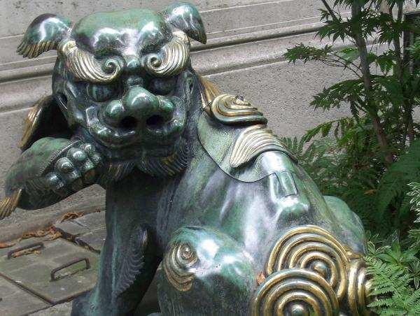 dragon à l'entrée du musée Cernuschi