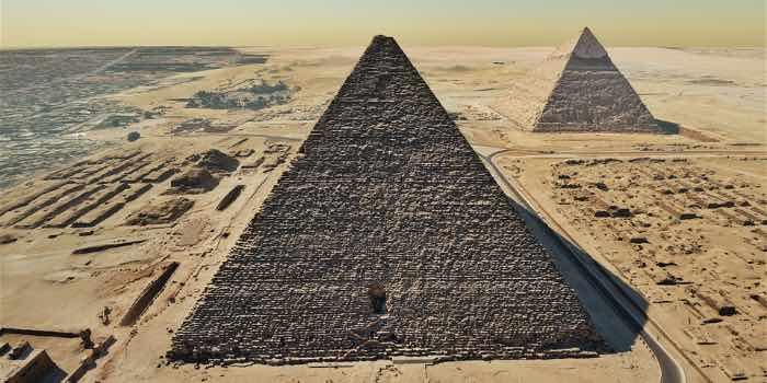 pyramides, la nouvelle expérience de Flyview