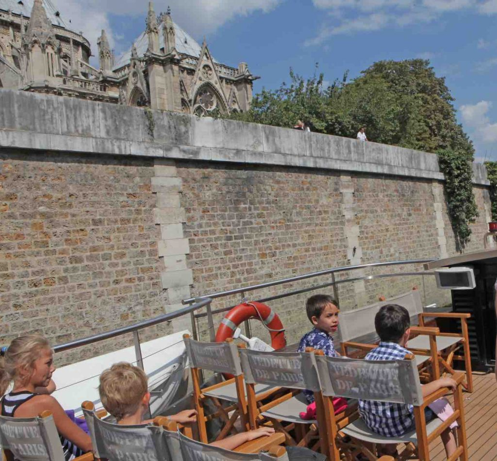 the cruise on the Seine River for families and children from 5 years old