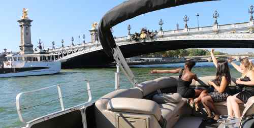 A private cruise on the Seine