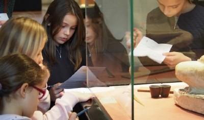 le département d'egyptologie au Louvre raconté aux enfants