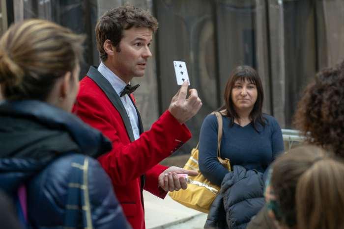 La visite du Marais avec des comédiens et des magiciens
