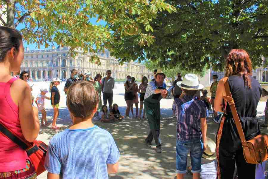 visite spectacle aux Tuileries avec un comedien
