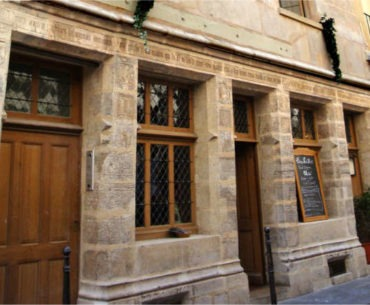 private visit in the footsteps of the alchemists and Nicolas Flamel