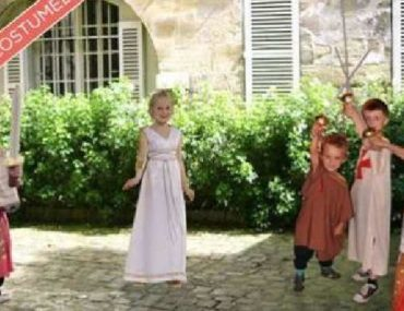 costumed tour for children in Paris